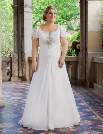 curvy bride designer dress